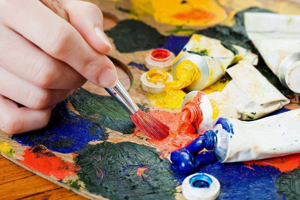 联考前,重庆美术集训画室美术生拼命熬夜画画,成绩却停滞不前的原因是什么?