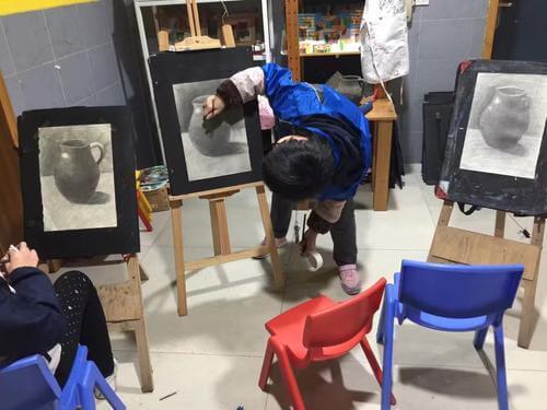 重庆美术培训学校怎么选?
