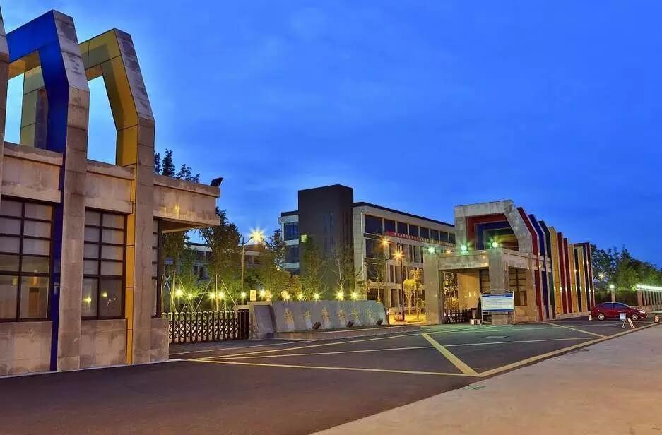 重庆美术集训画室美术生请看:比211高校不落下风的四所实力超群艺术类院校!