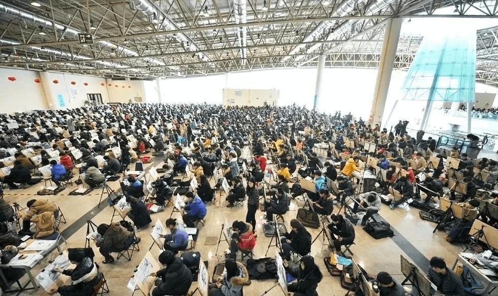 重庆美术集训画室:听说艺考生总是被艺考和文化课混合双打?