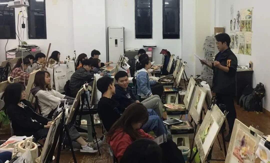 联考在即,龙行画室美术生该如何解压? 家长该怎样支持孩子应考?