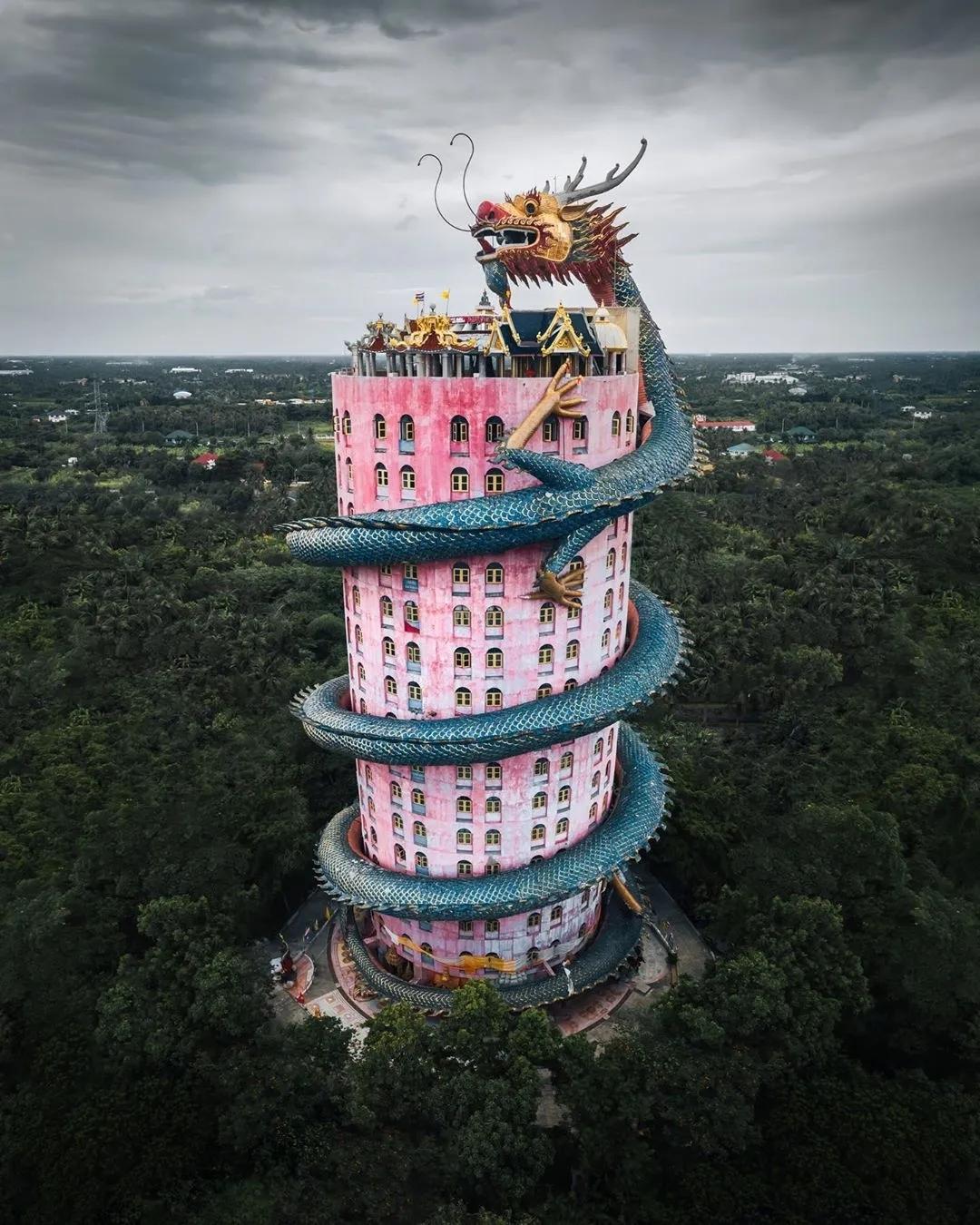 重庆美术培训:90后英国小伙拍出了水墨画的中国,意外刷屏网络!